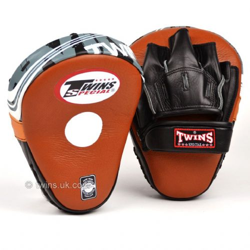 Twins PML-10 Deluxe Curved Focus Mitts - Brown
